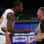 Julius Randle's controversial travel call explained by Scott Foster